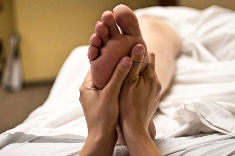 foot massage 2277450 960 720