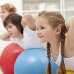 Dziecko na siłowni – za i przeciw