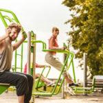 Siłownia plenerowa – trening na świeżym powietrzu