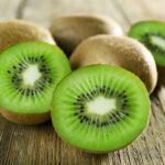 Jaki jest dobry sposób na jedzenie kiwi?