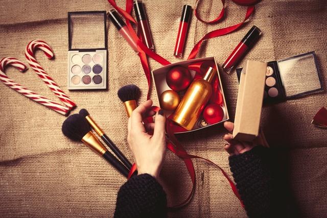 kosmetyki na prezent 10 propozycji dla niej na swieta 3782308