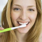 Czy warto zdecydować się na implanty zębów?
