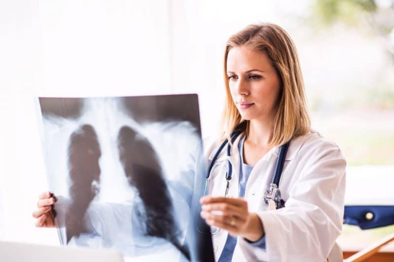 jakie choroby leczy pulmonolog lekarzebezkolejki