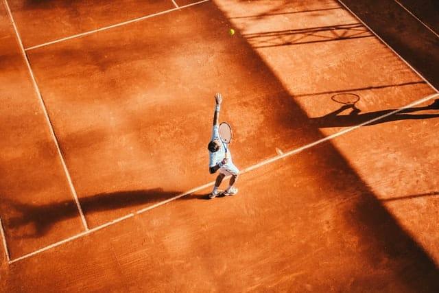 lokiec tenisisty jak rozpoznac i leczyc te kontuzje